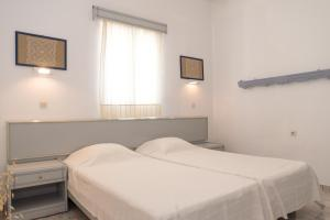 Captain Manos Studio Apartments, Apartments  Grikos - big - 32