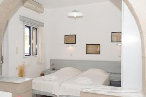 Captain Manos Studio Apartments, Apartments  Grikos - big - 33