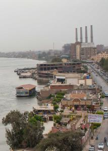 Condo by the Nile, Apartments  Cairo - big - 14
