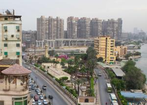 Condo by the Nile, Apartments  Cairo - big - 15