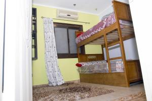 Condo by the Nile, Apartmanok  Kairó - big - 29