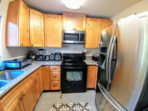 North Park Treasure - Three Bedroom Home, Dovolenkové domy  San Diego - big - 9