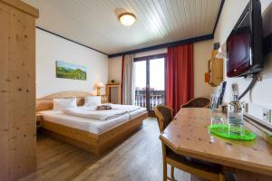 Heidi-Hotel Falkertsee, Hotely  Patergassen - big - 13