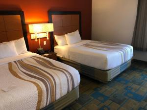 Pokój dwuosobowy z 2 łóżkami podwójnymi przystosowany dla osób niepełnosprawnych