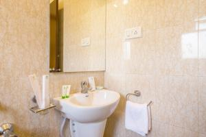 Treebo Nestlay Casa, Hotely  Chennai - big - 18