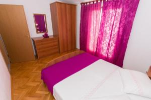 Dvosobni apartman s pogledom na more BRSLAV-A1, Ferienwohnungen  Brela - big - 11