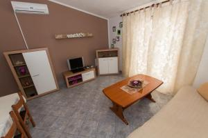 Dvosobni apartman s pogledom na more BRSLAV-A1, Апартаменты  Брела - big - 7