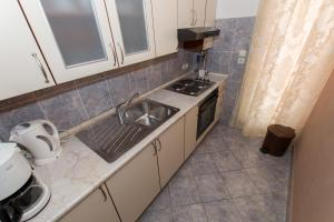 Dvosobni apartman s pogledom na more BRSLAV-A1, Апартаменты  Брела - big - 5