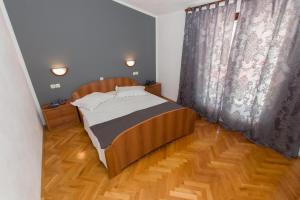 Dvosobni apartman s pogledom na more BRSLAV-A1, Апартаменты  Брела - big - 3