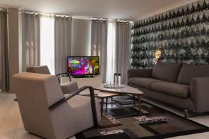 Three-Bedroom Duplex La Perle