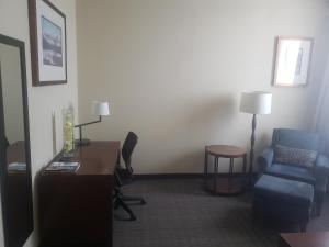 Travelodge by Wyndham Whitecourt, Hotels  Whitecourt - big - 18