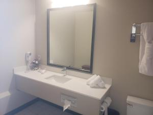 Travelodge by Wyndham Whitecourt, Szállodák  Whitecourt - big - 25