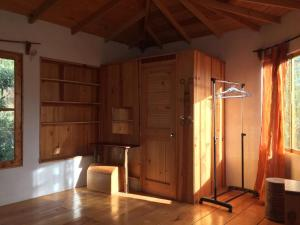 Love Nature Casa De Madera, Case di campagna  Panajachel - big - 6