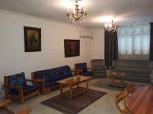 Helal Apartment For Families Only, Apartmanok  Kairó - big - 1