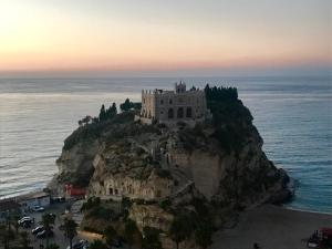 Le Contrade Tropea, Bed and Breakfasts  Brattirò - big - 52
