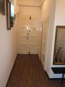 Guestin 2Room Apartment @ Francouzska, Апартаменты  Прага - big - 7
