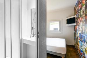 Cabrio Family Room with Private Bathroom