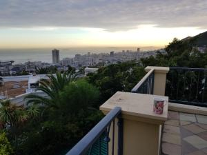 Q in Fresnaye, Pensionen  Kapstadt - big - 12