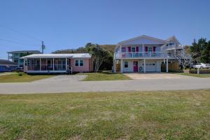 138 S 3rd Ave, Vendégházak  Kure Beach - big - 27