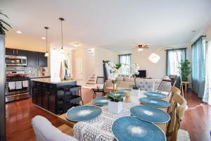 The Graham House: A Luxury Family Getaway - Philadelphia