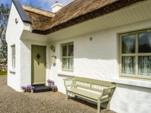 Brookwood Cottage, Cong