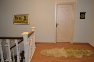 Cozy house in the downtown of Baku near to Airport, Venkovské domy  Buzovna - big - 10