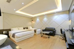 City Hotel G&G, Отели  Пусан - big - 12