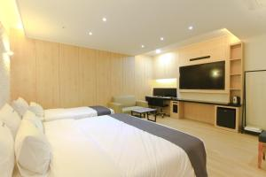 City Hotel G&G, Отели  Пусан - big - 13