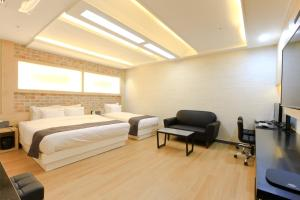 City Hotel G&G, Hotely  Pusan - big - 14