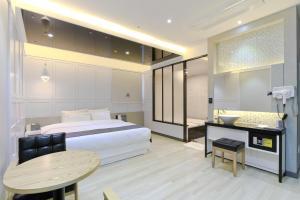 City Hotel G&G, Отели  Пусан - big - 27