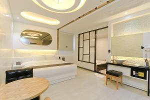 City Hotel G&G, Отели  Пусан - big - 29