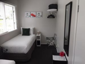 Kiwi House Waiheke, Bed & Breakfast  Oneroa - big - 4