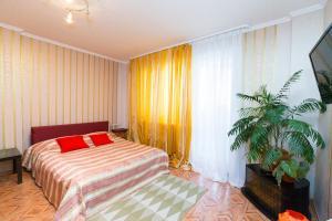 Apartment on Salavat Ulaev Square