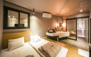 Two Heart Hotel, Hotely  Pusan - big - 25