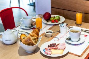 Brit Hotel Toulouse Colomiers – L'Esplanade, Hotely  Colomiers - big - 30