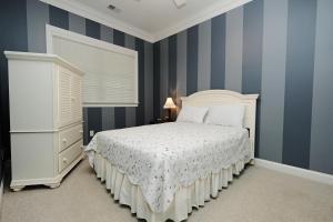 Three-Bedroom Golf Villa