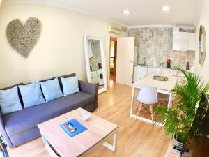 Ahro Suites, Апартаменты  Малага - big - 159