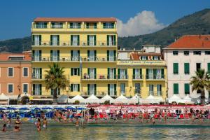 Hotel Danio Lungomare - AbcAlberghi.com