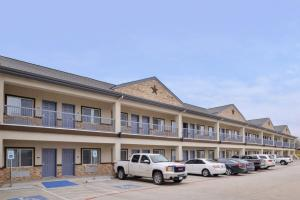 Americas Best Value Inn and Suites, Hotels  Humble - big - 24