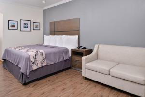 Americas Best Value Inn and Suites, Hotels  Humble - big - 9