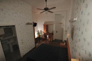 Hotel Miramare, Отели  Ладисполи - big - 18