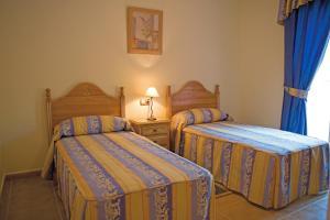 Marbella Beach Resort at Club Playa Real, Apartmanok  Marbella - big - 13