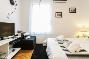 Bagi apartment in old town center, Apartmanok  Zára - big - 6