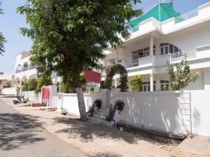 OYO 13224 Home Modern Stay Ambamata Scheme, Ferienwohnungen  Udaipur - big - 3