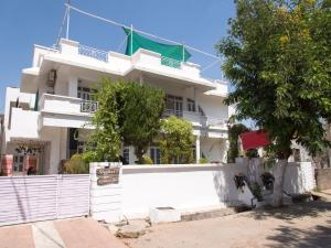OYO 13224 Home Modern Stay Ambamata Scheme, Ferienwohnungen  Udaipur - big - 4