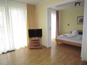 Haus Strandperle, Апартаменты  Цинновиц (Остзебад) - big - 66