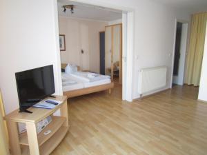 Haus Strandperle, Апартаменты  Цинновиц (Остзебад) - big - 68