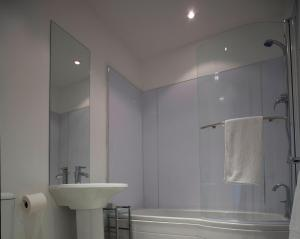 Aberdeen Serviced Apartments - The Lodge, Apartmány  Aberdeen - big - 5