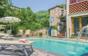 Country house with pool in Lucca hills - AbcAlberghi.com