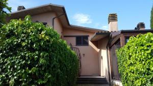 Appartamento in villa sul lago Trasimeno - AbcAlberghi.com